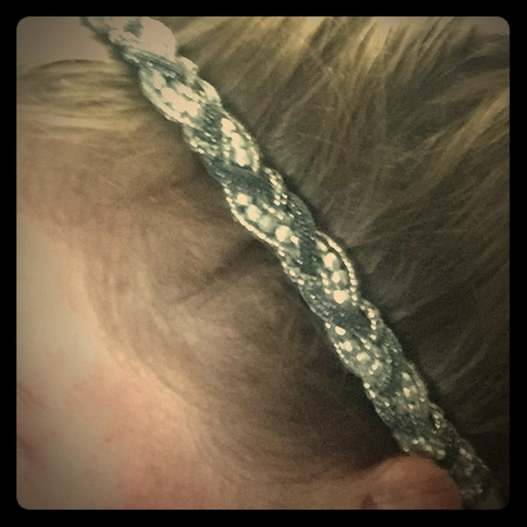 Accessories - Sparkly Style Head Band W Stretch Base to Fit All